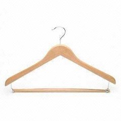 WOODEN SUIT HANGER WITH LOCKING BAR