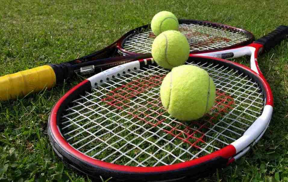 Tenis & Perlengkapannya