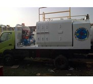 LUBE FUEL SERVICE TRUCK ON 125-130 PS & DOUBLE GARDAN