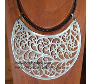 mother of pearl carving necklace for celebrity