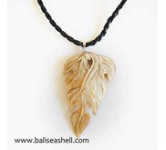 Seashell Carving Necklace Leaf / Kalung Ukir Mabe