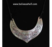 Shell necklace art jewelry indonesia / Kalung Ukiran Motif Bulat Sabit