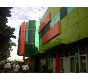 pemasangan curtain wall dan aluminium composite panel