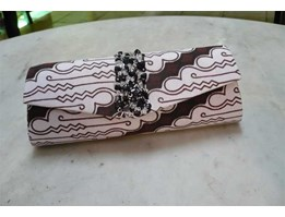 Tas Pesta/ Clutch Bag Batik Parang