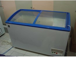 Gea SLIDING CURVE GLASS FREEZER