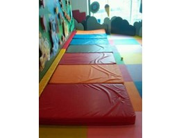 Soft Play ( matras busa)