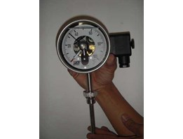 SIKA TEMPERATURE GAUGE WITH CONTACT