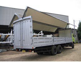 Jual Wing Box Truck dan Wing Box Trailer - Side Loading Truck and Trailer Diamond