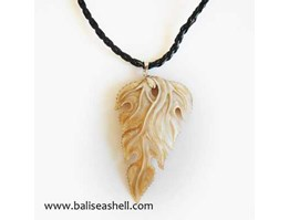 Jual Seashell Carving Necklace Leaf / Kalung Ukir Mabe