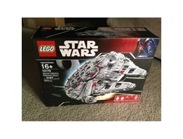Jual Brand new Lego Star Wars Ultimate Collector s Millennium Falcon 10179 Factory Sealed