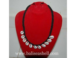 Jual Shell Necklace With Small Cowrie / Kalung Buli