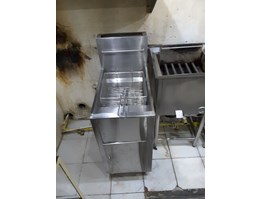 stainless Standing Fryer W/ thermostart