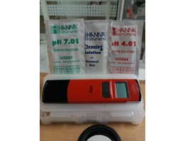 NEW pH meter Hanna Instruments HI 98107 with thermometer
