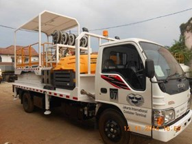 Service Truck With Hydraulic Scissor Lift