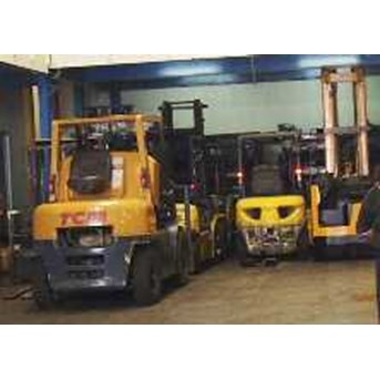 RENTAL REACH TRUCK BATTERY