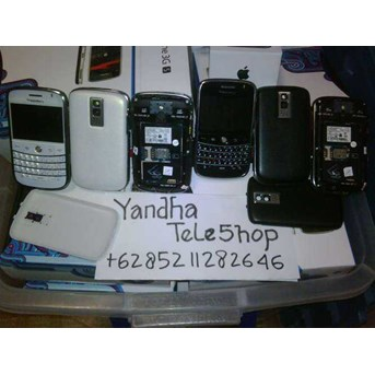 BLACKBERRY BOLD 9000 BNIB NEW SEGEL.