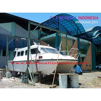 SPEED BOAT KATAMARAN SERI FBI-1032-KA