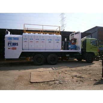 Lube Service Truck With 8-10 Module & System Pneumatic/Hydraulic