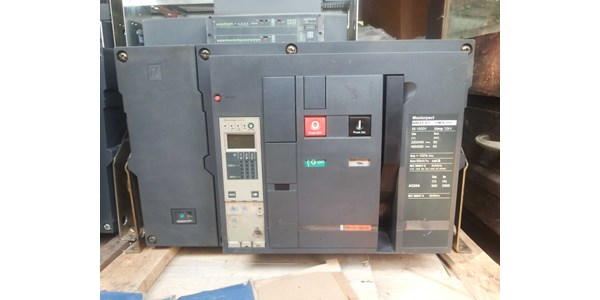high current air circuit breakers (acb) schneider-6