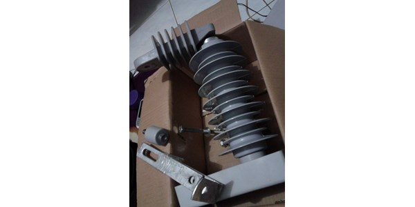 arrester with porcelain - arrester with silicone rubber-1