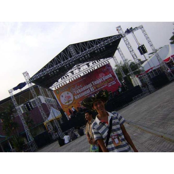 sewa rental panggung stage rigging