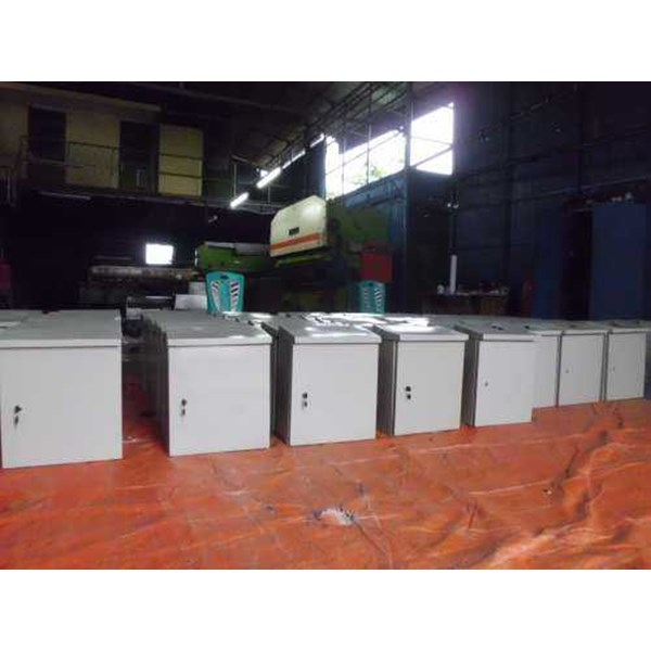box panel outdoor ukuran 400 x 600 x 200 mm-2