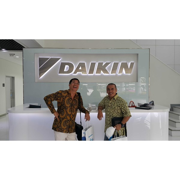 ac split wall mounted daikin - deluxe class series r-32 thailand-3