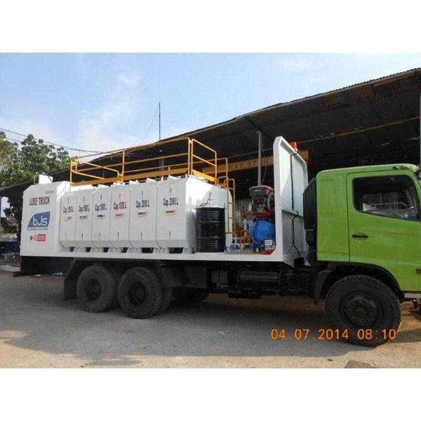 lube service truck with 8-10 module & system pneumatic/hydraulic-4