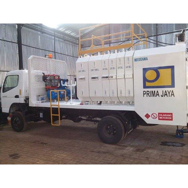 lube service truck with 8-10 module & system pneumatic/hydraulic-5