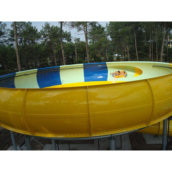 seluncuran water park space boat-3