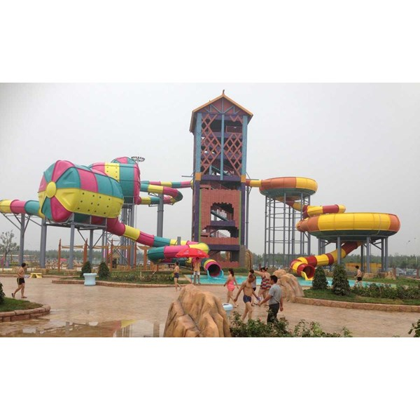 seluncuran water park space boat-5