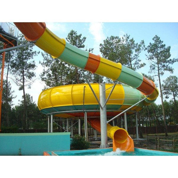 seluncuran water park space boat-4