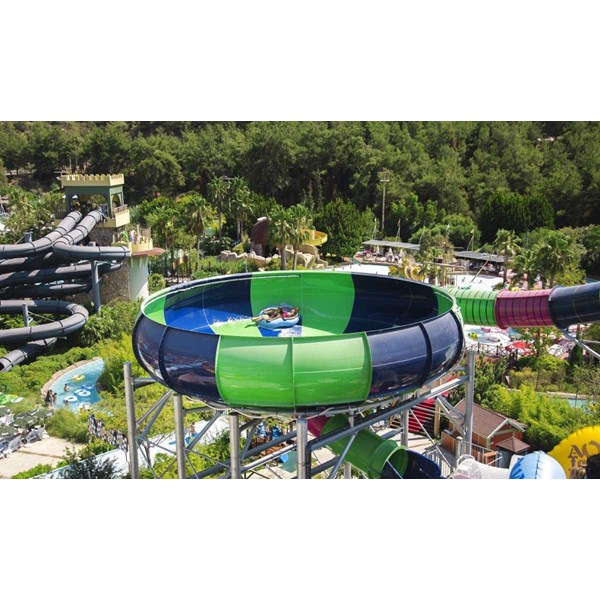 seluncuran water park space boat-7