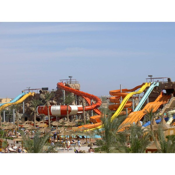 seluncuran water park space boat-2