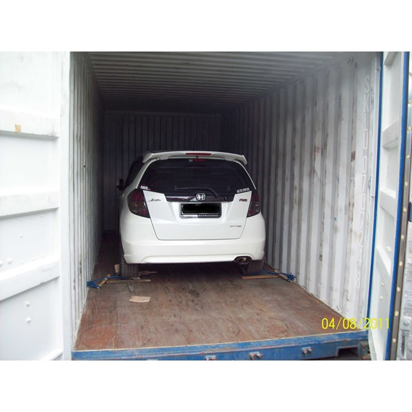 lift vans, wooden crate, trucking, packing, otomotive relocation-2