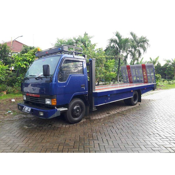sewa mobil towing truck (self loader)-2