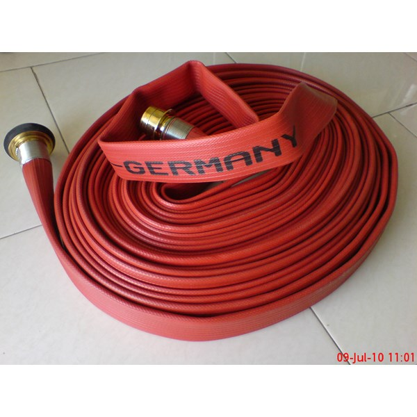 synthetic rubber fire hose c/w machino coupling
