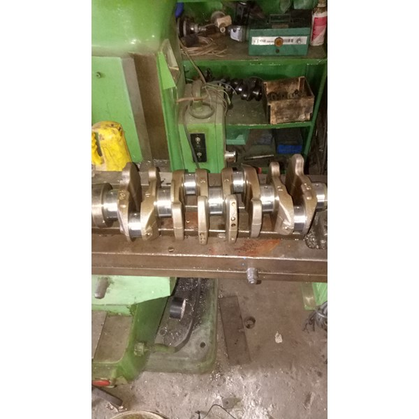 mesin slyp crankshaft