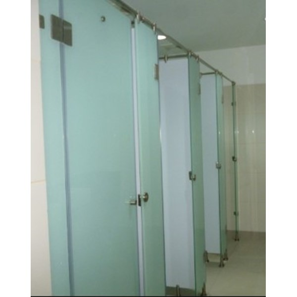 jual partisi toilet cubicle