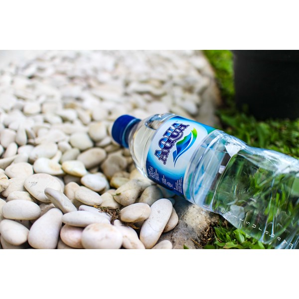 air minum aqua 600ml tuban