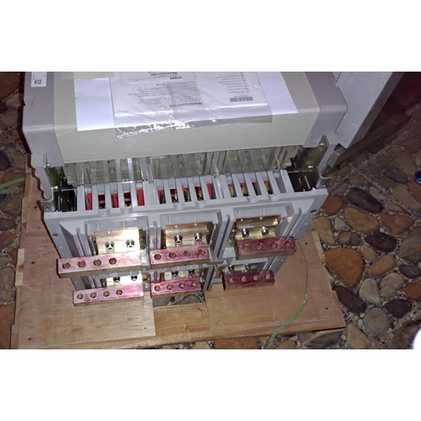 acb 3p 4000a nw40h1 drawout schneider electric