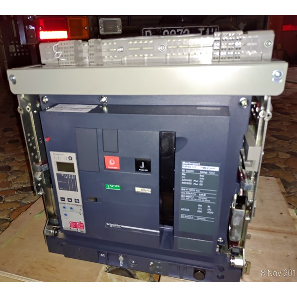 acb 3p 4000a nw40h1 drawout schneider electric-2