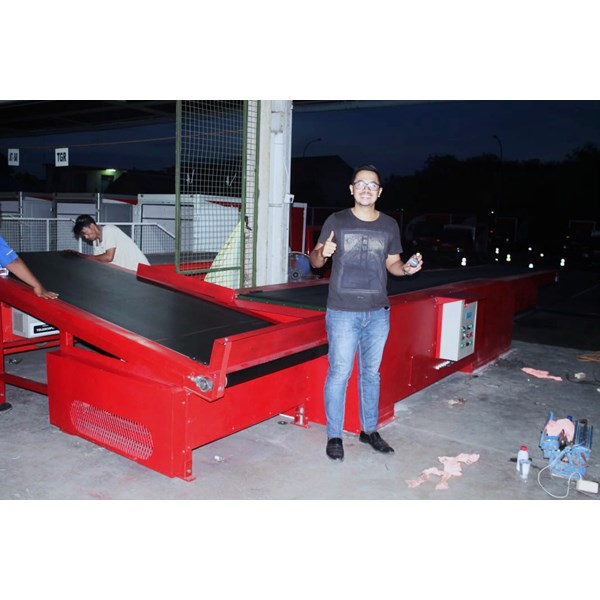 flat & sorting conveyor for logistic industry-1