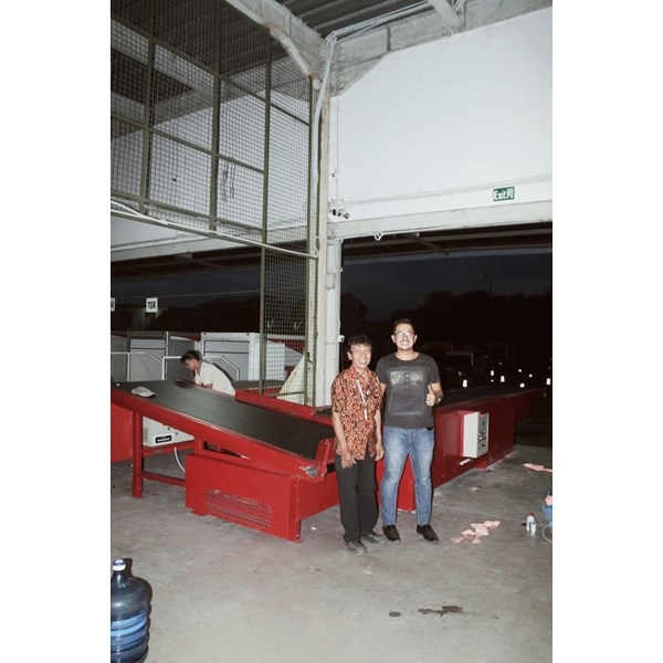 flat & sorting conveyor for logistic industry-2