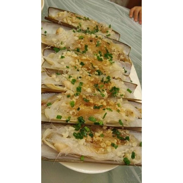 steamed razor clam