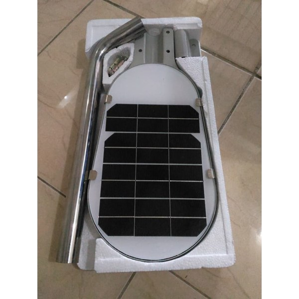 lampu pju all in one solar led 12 watt-2